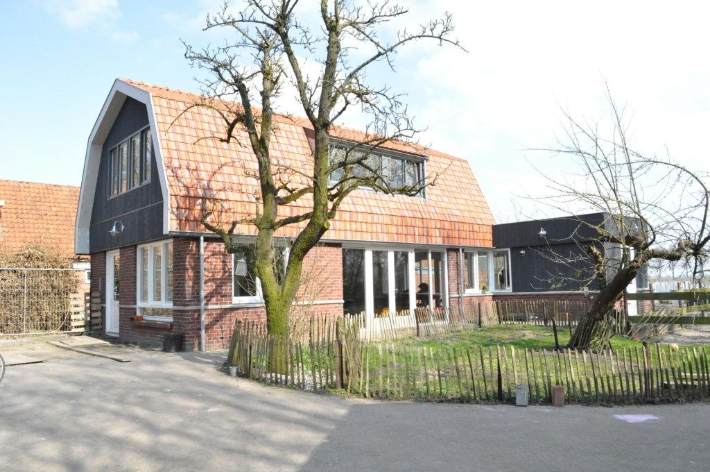 Nieuwbouw huis achter de kerk nieuwe niedorp traditionele woning nico dekker ontwerp - Uitbreiding oud huis ...