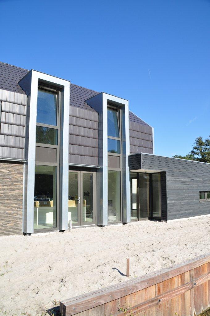 Nieuwbouw moderne woning broek op langedijk moderne woning nico dekker ontwerp bouwkunde - Moderne uitbreiding huis ...