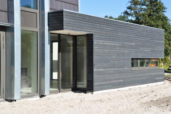 moderne woning met schuin dak