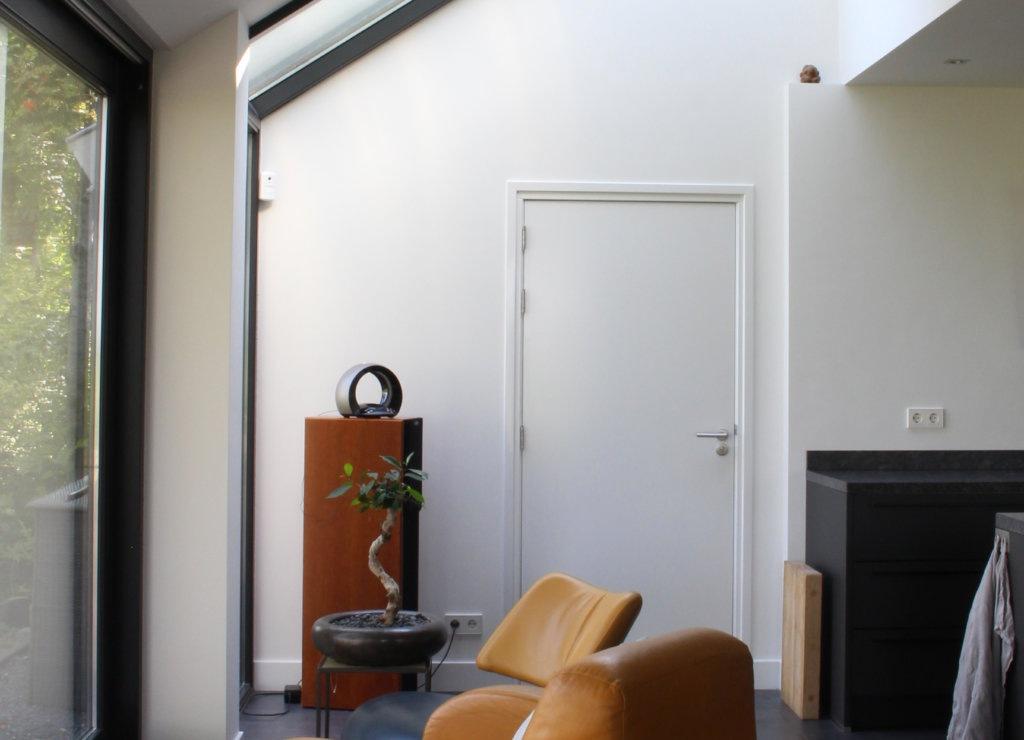 aanbouw jaren 70 modern interieur