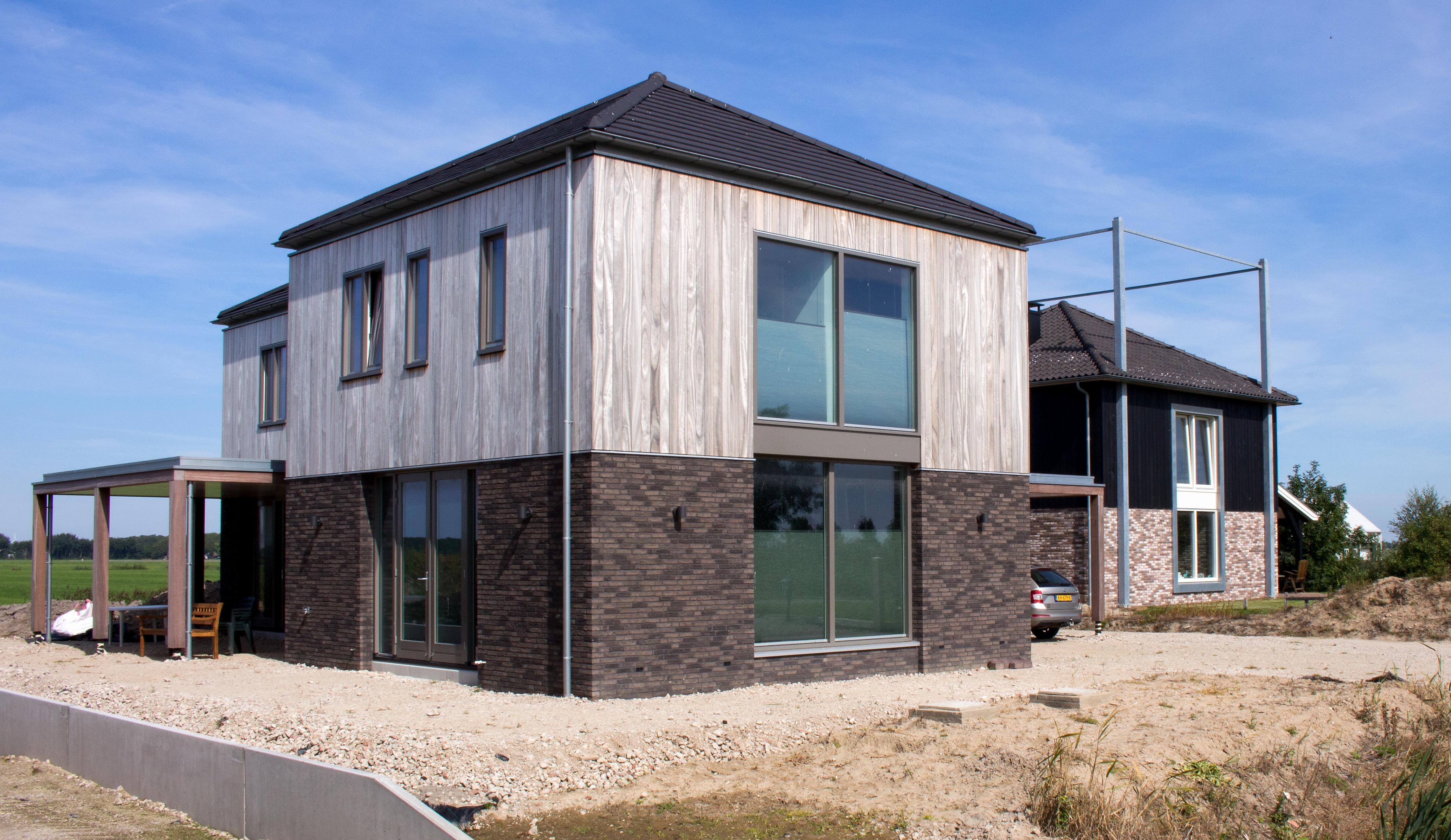Moderne kapbergwoning oude sluis kapbergwoning nico dekker ontwerp bouwkunde - Oude huis gevel ...