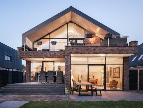 moderne villa met zinken dak